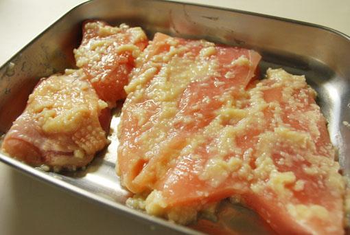 鶏ムネ肉の塩麹漬け 仕込み